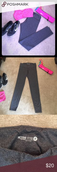 Work out pants Fitted, nylon and spandex blend pants. Charcoal grey. Fit great and feel great! Full length pant. Old Navy Pants Track Pants & Joggers