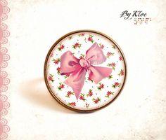 Bague Cabochon • Noeud rose sur liberty • fleur rétro vintage rose blanc verre