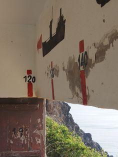 Cartagena fue en la guerra civil la costa mejor protegida. Detalle de silueta dibujada desde zona de tiro de cañones en Portman (Murcia).