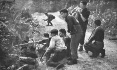 Italian partisans positioned in Val di Pesio, Piemonte.