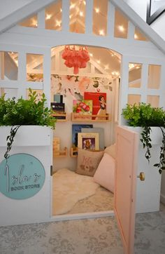 Kids Cubby Houses, Kids Cubbies, Play Houses, Playhouse Decor, Playhouse Interior, Playroom Decor, Kids Play Area, Kids Room, Storing Kids Books