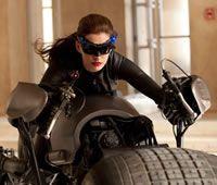 Batman - O Cavaleiro das Trevas Ressurge. Classificação etária sugere sensualidade  Mulher-Gato deve sacudir o mundo do Homem-Morcego, segundo boatos