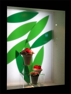 Visual: ANNIVERSAIRE - Vidreiras de Tokyo How about a potted topiary wearing a hat? #millinery #judithm #hats