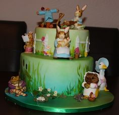 Chocolate mud cake with hand-modeled, hand-painted fondant characters and… Peter Rabbit Party, Peter Rabbit Cake, Bunny Birthday, Baby 1st Birthday, 1st Birthday Parties, Birthday Cakes, Birthday Ideas, Beatrix Potter Birthday Party, Beatrix Potter Cake