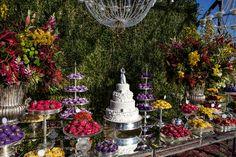 Mesa de doces com detalhes em lilás - Crédito VRebel
