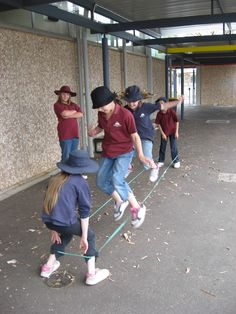 elastics, a popular playground game