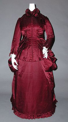 Dress    Date:      ca. 1882  Culture:      American (probably)  Medium:      silk  Dimensions:      Length at CB: 60 in. (152.4 cm)  Credit Line:      Gift of Mrs. Nathaniel D. Clapp, 1985  Accession Number:      1985.363.9    This artwork is not on display