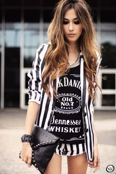 Look du jour - 01.04.2013 look du jour stripes listras preto e branco shorts Renner blazer Charry t-shirt (2)