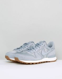 Nike Internationalist Essential Trainers In Grey Satin