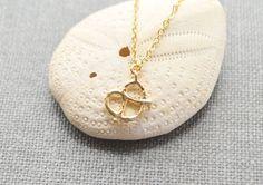 Gold pretzel necklace A-242