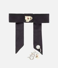 bow charm detail brooch