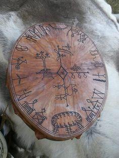 This jewellery dates back to 400 Shaman Ritual, Lappland, Medicine Wheel, Asatru, Samar, Indian Art, Archaeology, Folk Art, Scandinavian