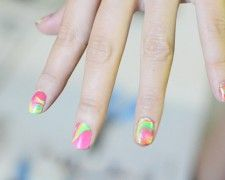 neon-marbled nails