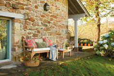 Rustic Stone House In The Spanish Countryside - DigsDigs Home Garden Design, Diy Garden Decor, Patio Design, Garden Ideas, Small House Garden, Home And Garden, Fairytale Home Decor, Design Exterior, Small Terrace