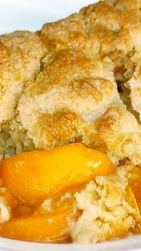 Best Ever Southern Peach Cobbler ( I made this and it IS simply delicious! The cobbler is not doughy.very flavorful.)The Best Ever Southern Peach Cobbler ( I made this and it IS simply delicious! The cobbler is not doughy.very flavorful. Just Desserts, Delicious Desserts, Yummy Food, Summer Dessert Recipes, Italian Desserts, Winter Recipes, Recipes Dinner, Southern Peach Cobbler, Home Made Peach Cobbler
