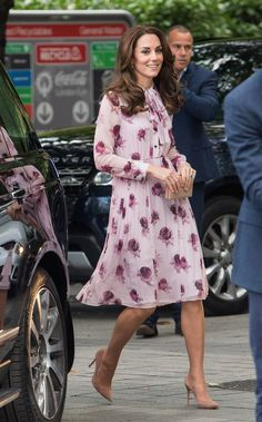 The Duchess approached autumn with a prim, polished take on florals.