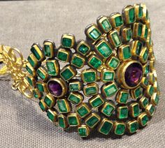 RosamariaGFrangini | High Jewellery Antique | Judy Geib emerald and amethyst cuff