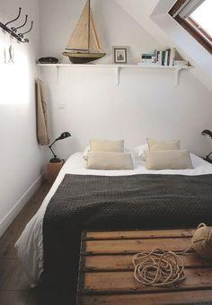 Esprit marin dans cette chambre normande. Plus de photos sur Côté Maison http://petitlien.fr/7me0