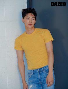 for likes korean movie Lee Shin Young Korean Male Actors, Korean Celebrities, Asian Actors, Young Actors, Hot Actors, Actors & Actresses, Drama Korea, Korean Drama, Kpop