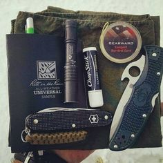 EDC with two of our favorite brands - Spyderco and Rite in the Rain