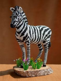 Zebra. Photo tutorial includes showing how to bulikd wire & paper mache underpinning. on bider.info by zhanna_vasileva (жанна_васильева)