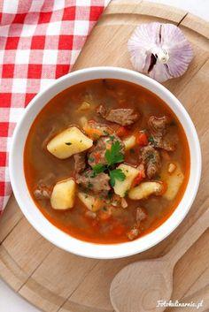 Gulyásleves zupa gulaszowa Polish Soup, Soup Recipes, Cooking Recipes, National Dish, Goulash, Polish Recipes, Sweet And Salty, Tex Mex, Cheeseburger Chowder
