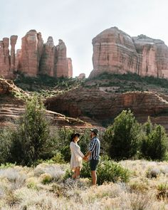 Sedona Engagement Photos Ideas & Locations || Jane in the Woods Sedona Wedding Photography || Gypsy Bohemian Engagement at Cathedral Rock