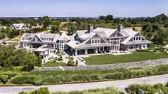 Location Newport Rhode Island Price 12500000 BedBaths 6 bedrooms 6 full and 2 partial bathrooms Sq. Dream Beach Houses, States In America, Unusual Homes, Celebrity Houses, Architectural Digest, Architectural Sketches, Old Houses, Large Houses, Modern Houses