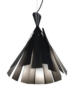 The Metronome is the result of a collaboration between Delta Light and fashion designer Tim Van Steenbergen. The metronome is a multifaceted hanging lamp which plays with light and shadow.