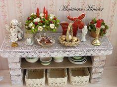Miniature Dollhouse Christmas Rustical Sideboard por Minicler