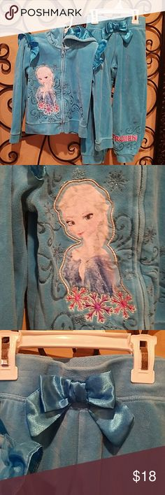 Girls Velour pants/hoody outfit Adorable and soft Disney Frozen velour pants and jacket set. Excellent condition only worn 2 times. Pet and smoke free home. Disney Matching Sets