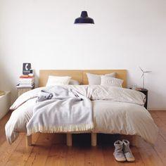 MUJI style simple bedroom