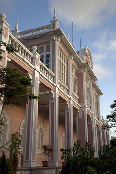 Mindelo (Cape Verde): Colonial building, presently housing the Palácio do Povo