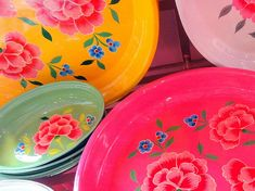 Antoine et Lily (Paris) Chinoiserie, Rainbow Colors, Vibrant Colors, Deco Boheme, Happy Colors, Bohemian Decor, Kitsch, Decorative Plates, Pottery