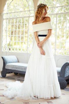 Vestidos de novia para tu día más especial. Con Matilde Cano serás la novia más guapa, deslumbrante y única. Colección 2018