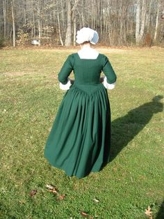 Robe a l'anglaise, back view