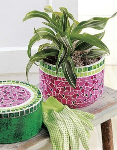 Beginner's Guide to Faux Mosaics from Leisure Arts introduces a simple, inexpensive way to make decorative treasures. Easy DIY instructions and tips show how to get the look of ceramic tile mosaics with bits of painted illustration board; Ceramic Mosaic Tile, Mosaic Diy, Mosaic Crafts, Mosaic Glass, Tile Mosaics, Pebble Mosaic, Mosaic Planters, Mosaic Birdbath, Mosaic Flower Pots