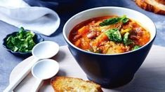 Quick Soup Recipes, Sprout Recipes, Simple Recipes, Slow Cooked Chicken, How To Cook Chicken, Hot And Sour Soup, Spicy Soup, Bacon Soup, Feel Good Food
