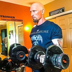 Mondays are for BRINGING IT!  I had a tough time getting going today but there is nothing like the endorphin rush of a great workout to powerfully launch your week.   X3 Eccentric Upper   #practicewhatyoupreach #fitfam #fitover40 #physed #zillafitness #peteacher #peteacherlife  #fitnesscoach #coach #fitoverforty #nevermissamonday #rule1 #bod #colitis #ibd #ibdwarrior #p90x3