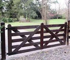 Resultados da Pesquisa de imagens do Google para http://www.ranchdrivewaygates.com/images/garden-driveway-gate/garden-wooden-driveway-gate-g...