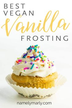 Youll love this creamy easy vegan vanilla frosting recipe made with only a few ingredients Vegan Icing is easy to make and full of flavor Make this Dairy Free Frosting an. Chocolate Chip Cookies, Vegan Chocolate Frosting, Vegan Frosting, Cake Frosting Recipe, Homemade Frosting, Icing Frosting, Cookie Frosting, Homemade Recipe, Dairy Free Vanilla Frosting