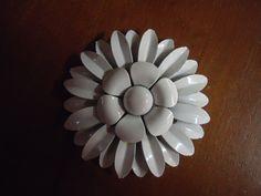 Vintage Brooch Flower Daisy Enamel Brooch Metal Enamel Jewelry.