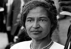 Rosa Parks - refused to give up her seat on a bus for a white passenger, as was required of African Americans in the south at the time. She became an inspiration in the Civil Rights movement. Rosa Parks, Women In History, Black History, My Black Is Beautiful, Beautiful People, Beautiful Women, African Diaspora, Great Women, Before Us