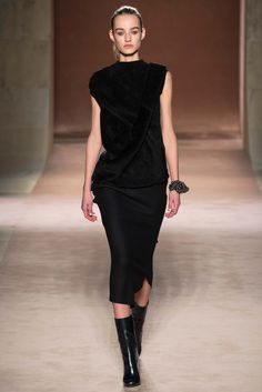 Victoria Beckham Fall 2015 RTW Collection - Style.com. Long live fashion: LÜR Nail presents the best designer runway looks of the New York NYC Autumn/Winter 2015 Collections.