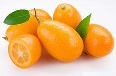 Малоизвестный экзотический фрукт, который относится к семейству цитрусовых - кумкват, полезные свойства которого стоит знать. Кушают этот фрукт вместе с кожурой, что даёт прекрасное сочетание вкусо...