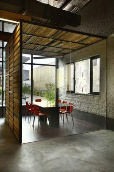 Group DCA Office / DCA Architects