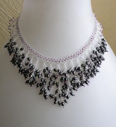 * TUTORIALS * INSTRUCTIONS * PATTERNS * NETTING STITCH * NECKLACE * JEWELRY * BEADS *  There is a surprise…