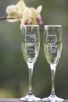@Jenn L Milsaps L Tapken so sad that they didn't have these for your wedding! Hello Kitty and Dear Daniel Champagne Fanart glass by Placidrain, $50.00