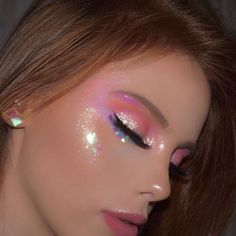 Easy Eye-Catching makeup looks that can make all the difference - Inspired Beauty You can never have to much glitter make up cute Cute Makeup Looks, Makeup Eye Looks, Creative Makeup Looks, Pretty Makeup, Gorgeous Makeup, Party Makeup Looks, Different Makeup Looks, Awesome Makeup, Perfect Makeup