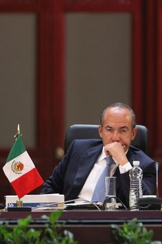MEXICO, D.F. (apro).- Luego de que Felipe Calderón amenazó con renunciar al Partido Acción Nacional (PAN) para crear una nueva opción política, el coordinador de la campaña de reelección de Gustavo...
